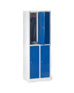 Garderobebokse 1/2 låge. 4 rum. Blå låger. På sokkel